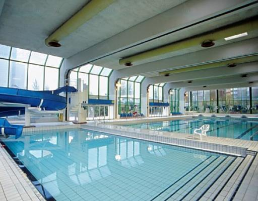 Piscine de neuilly for Piscine levallois