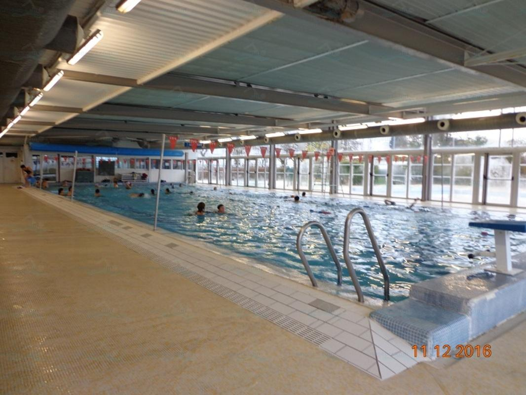 Piscines france aquitaine les piscines gironde 33 for Piscine floirac