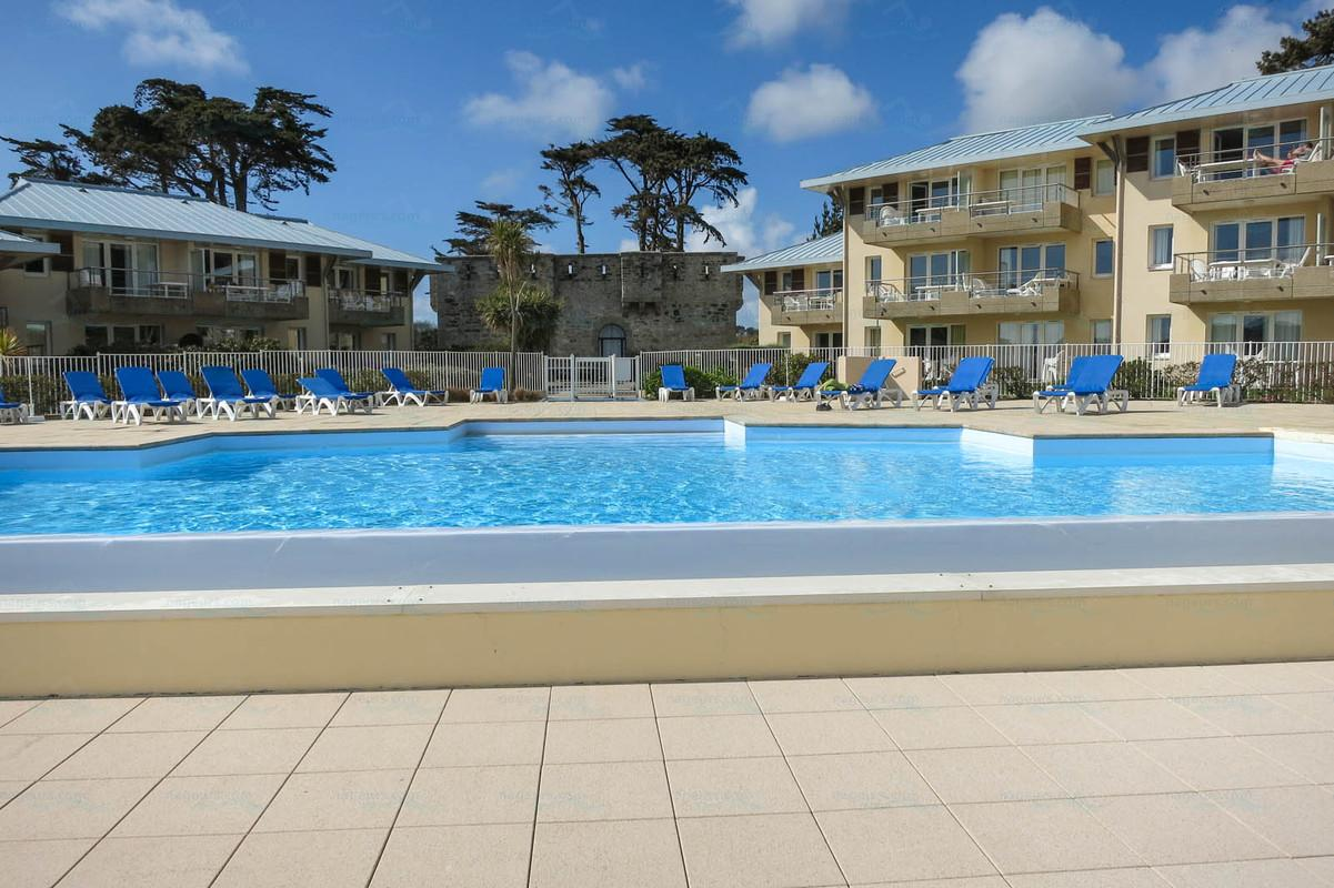Photos pierre vacances cap morgat for Piscine recouvrance